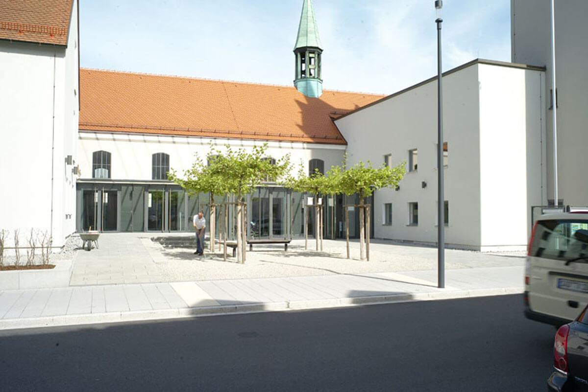 Neugestaltung bahnhofstrasse schwandorf 2g architekten 03 for 03 architekten